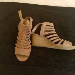 NWOT. Gladiator Wedge Sandal